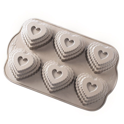 Tiered Heart Bundt Cakelet Pan